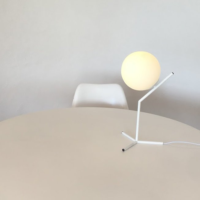 Sculptural table lamp iconic nz design art objects for Iconic design lamps