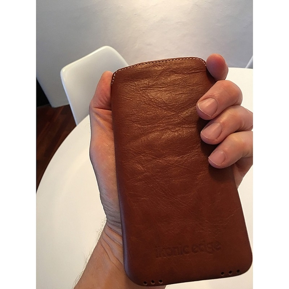 iPhone pouch NZ leather by Ikonic Edge